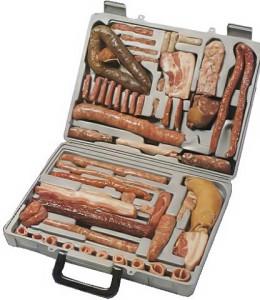 Настоящий набор джентльмена от РЕМИТ- 19 типов видов колбасы и различных копченостей.